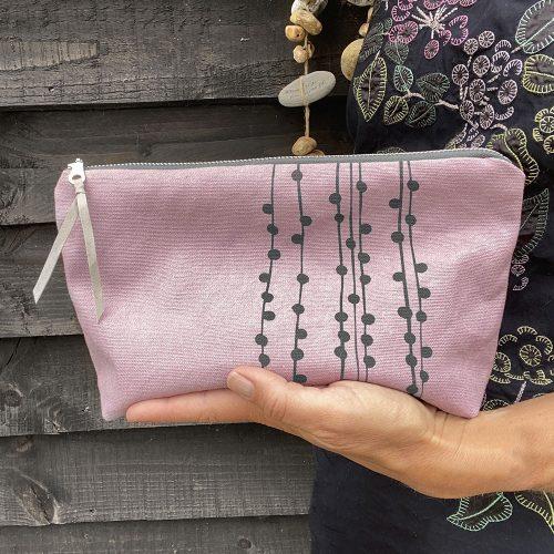 Organic hemp make-up bag